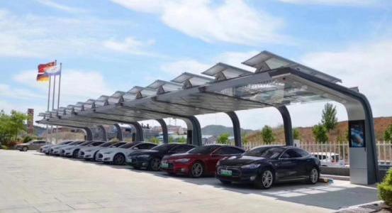 """特来电""""充电、光伏、储能""""智慧车棚投入运营"""