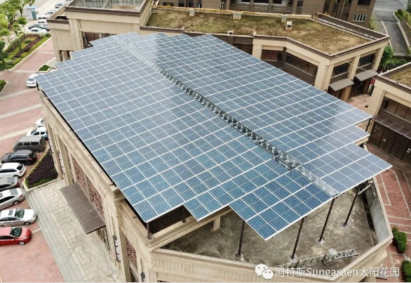 华润商铺屋顶安装阿特斯太阳花园发电系统