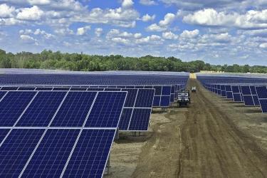 Solar FlexRack 为Swinerton光伏电站提供30M太阳能跟踪器