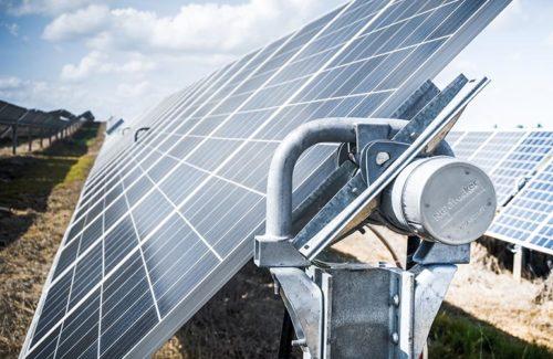 Nextracker 为 1.5 GW Arevon 太阳能项目组合提供跟踪器