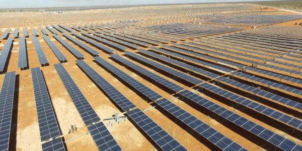 PVH 为沙特阿拉伯 拉比格的光伏项目提供300MW光伏跟踪器